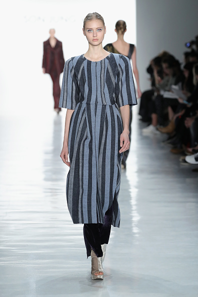 Black Color「Son Jung Wan - Runway - February 2017 - New York Fashion Week: The Shows」:写真・画像(11)[壁紙.com]