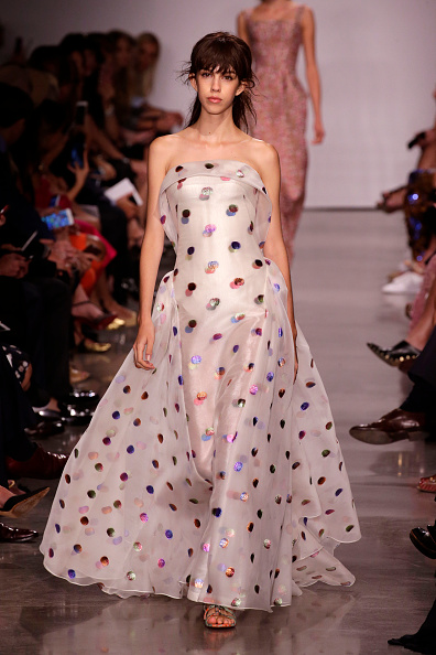 Shiny「Zac Posen - Runway - September 2016 - New York Fashion Week」:写真・画像(19)[壁紙.com]