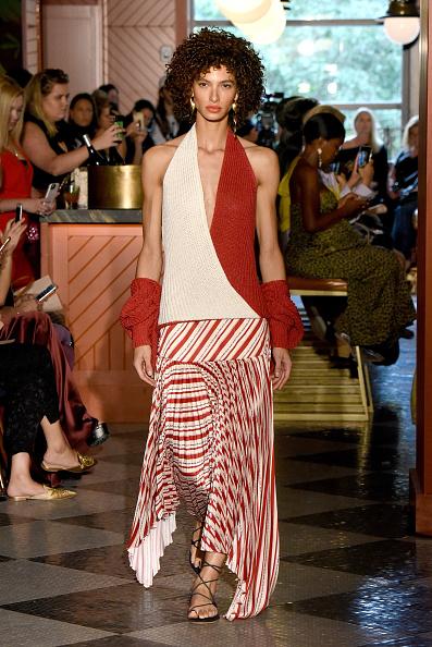 Halter Top「Hellessy - Runway - September 2018 - New York Fashion Week」:写真・画像(16)[壁紙.com]