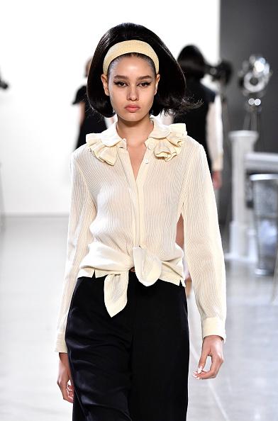 Ruffled Shirt「Chocheng - Runway - September 2018 - New York Fashion Week: The Shows」:写真・画像(10)[壁紙.com]
