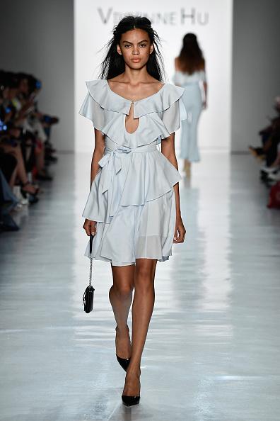 Black Color「Vivienne Hu Spring/Summer 2018 New York Fashion Week Runway Show」:写真・画像(18)[壁紙.com]