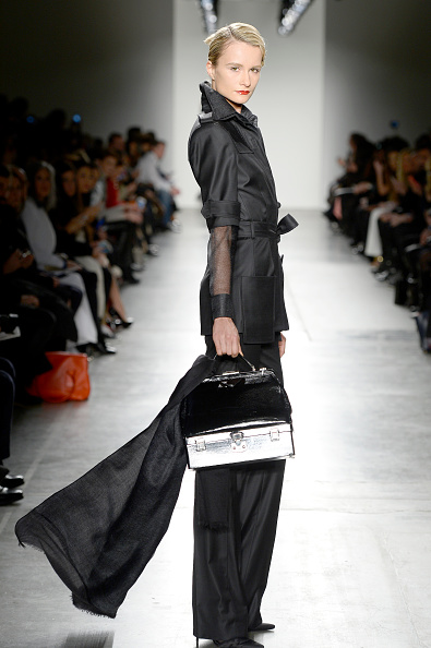 Chelsea Piers「Zang Toi - Runway - Fall 2016 New York Fashion Week: The Shows」:写真・画像(17)[壁紙.com]