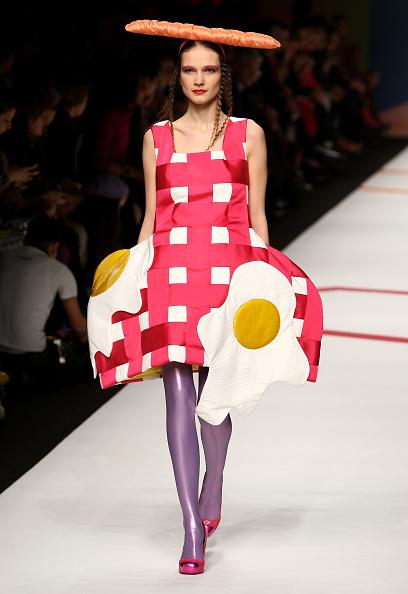 ドレス「Agatha Ruiz De La Prada: Milan Fashion Week Womenswear A/W 2009 - Runway」:写真・画像(16)[壁紙.com]