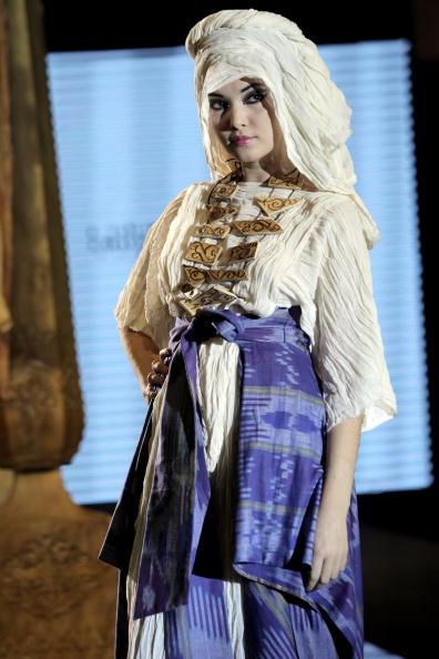 Yves Forestier「Art Week Style.uz 2009: National Dress Festival」:写真・画像(13)[壁紙.com]