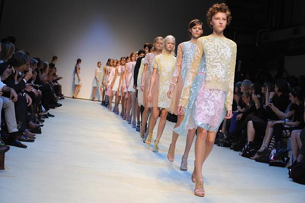 Christopher Kane - Designer Label「Christopher Kane Runway: Spring/Summer 2010 - London Fashion Week」:写真・画像(6)[壁紙.com]