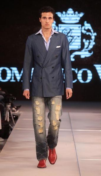 Yves Forestier「Art Style.uz 2010 - Domenico Vacca Fashion Show」:写真・画像(4)[壁紙.com]