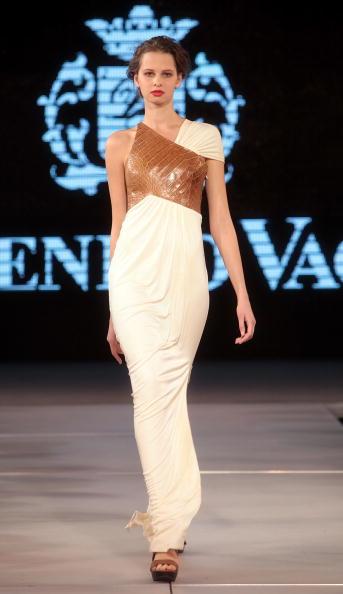 Yves Forestier「Art Style.uz 2010 - Domenico Vacca Fashion Show」:写真・画像(0)[壁紙.com]