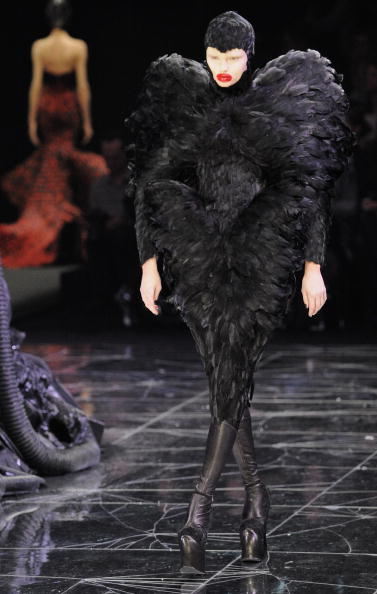 Alexander McQueen - Designer Label「Alexander McQueen: Paris Fashion Week Ready-to-Wear A/W 09」:写真・画像(11)[壁紙.com]