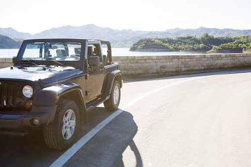 Car Rental「Jeep and beautiful scenery」:スマホ壁紙(14)