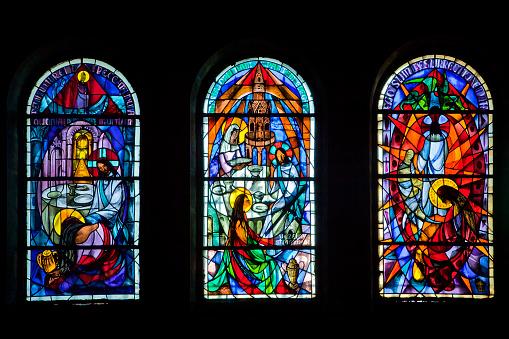 Stained Glass「Sainte-Marie Madeleine Cave in Sainte Baume Massif」:スマホ壁紙(11)
