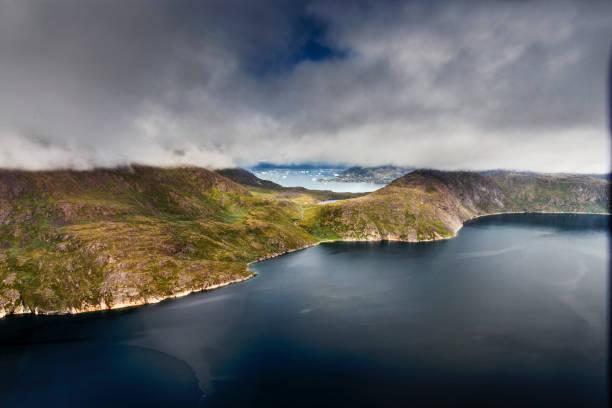 Coastline south of Greenland near Narsarsuaq:スマホ壁紙(壁紙.com)