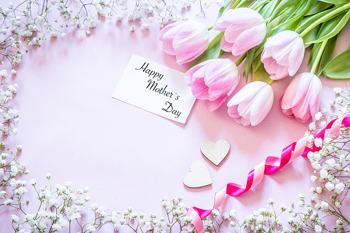 Mother's Day「Happy mother's day greeting card with pink tulips」:スマホ壁紙(18)