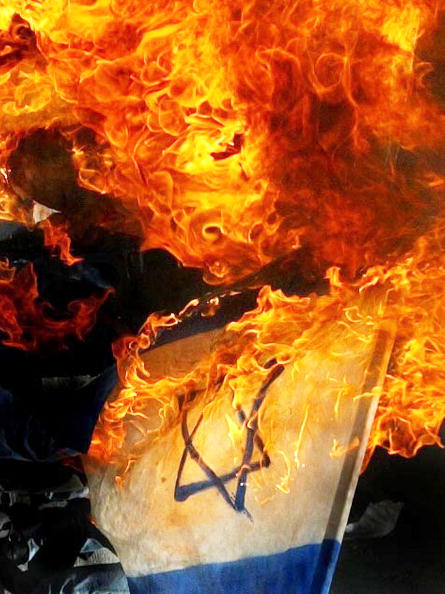 Religious Icon「Thousands of Palestinians Demonstrate Against Israeli Prisons In Gaza」:写真・画像(6)[壁紙.com]