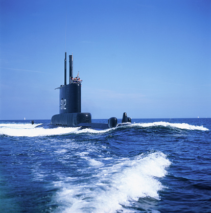 Military Ship「Baltic sea, surfaced submarine」:スマホ壁紙(7)