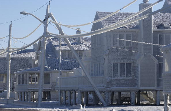 North America「Massachusetts Communitee Covered With Ice From East Coast Storm」:写真・画像(13)[壁紙.com]