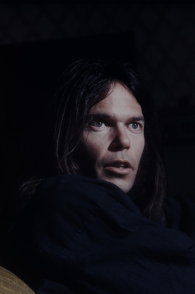 Relaxation「Neil Young In Happi-Coat Relaxing At A Hotel」:写真・画像(7)[壁紙.com]
