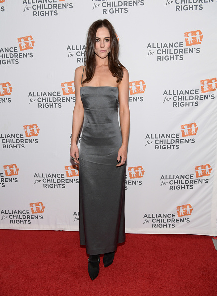 Emma McIntyre「The Alliance For Children's Rights 26th Annual Dinner - Red Carpet」:写真・画像(0)[壁紙.com]