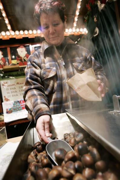 栗「Christmas Market Opens in Frankfurt」:写真・画像(13)[壁紙.com]