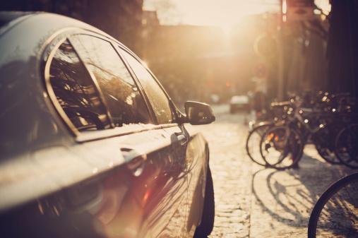 Riding「Parking car in the sunlight」:スマホ壁紙(8)
