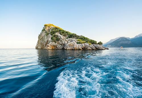 島「Small Island, Antalya, Turkey」:スマホ壁紙(3)