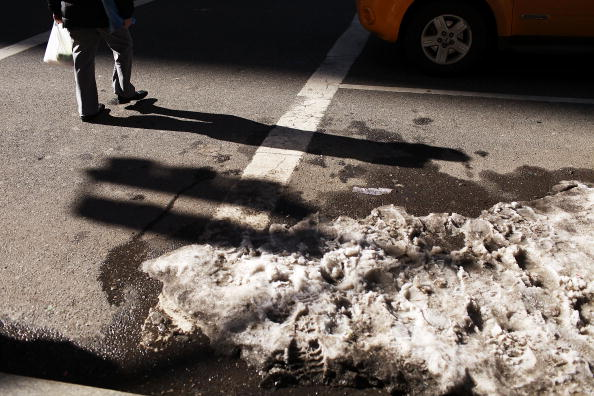 Melting「New York City Gets Break From Snow And Severe Cold Snap」:写真・画像(17)[壁紙.com]