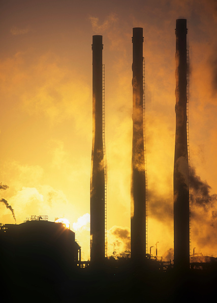 Greenhouse Gas「Emissions from a petrochemical plant on Teeside, Cumbria, UK.」:写真・画像(13)[壁紙.com]