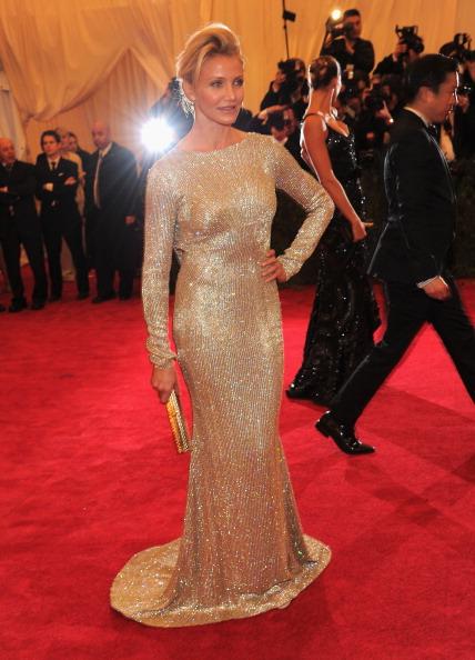 "Gold Purse「""Schiaparelli And Prada: Impossible Conversations"" Costume Institute Gala」:写真・画像(3)[壁紙.com]"