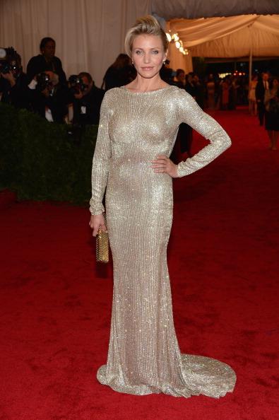 "Gold Purse「""Schiaparelli And Prada: Impossible Conversations"" Costume Institute Gala」:写真・画像(18)[壁紙.com]"