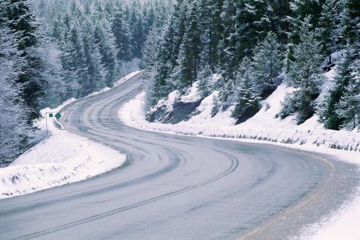 Snow mountain「Road through snowy forest」:スマホ壁紙(10)