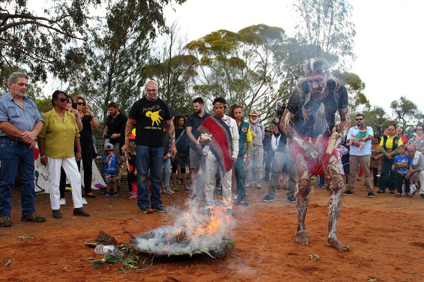 式典「Australias Oldest Human Remains Journey Home To Be Buried On Country With Ancestors」:写真・画像(2)[壁紙.com]