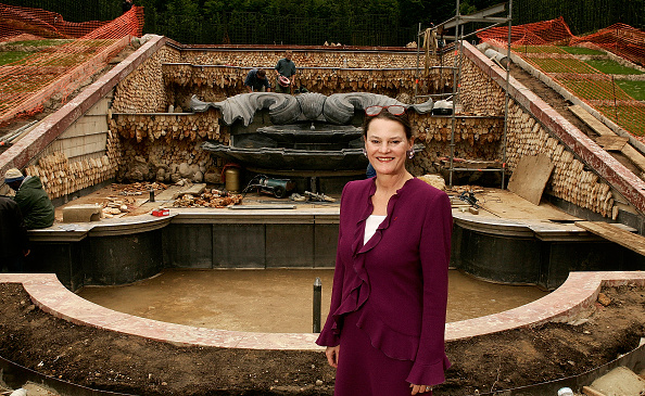Grove「France: Inauguration Of The Three Fountains Grove In Versailles Castle」:写真・画像(13)[壁紙.com]