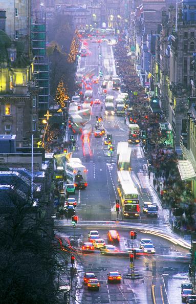 Traffic「Princes Street in Edinburgh, Scotland, UK」:写真・画像(12)[壁紙.com]