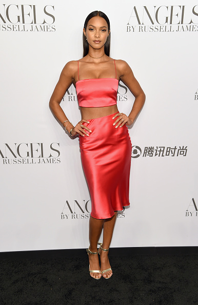 """Book Release「Cindy Crawford And Candice Swanepoel Host """"ANGELS"""" By Russell James Book Launch And Exhibit - Arrivals」:写真・画像(17)[壁紙.com]"""