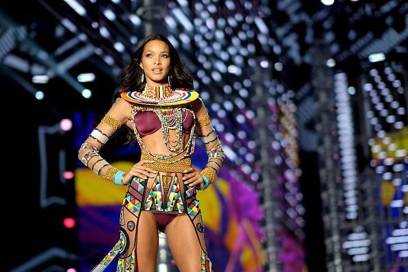 Lais Ribeiro「2017 Victoria's Secret Fashion Show In Shanghai - Show」:写真・画像(6)[壁紙.com]