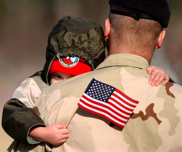 Arrival「3rd Infantry Soldiers Return After Year-Long Deployment In Iraq」:写真・画像(18)[壁紙.com]