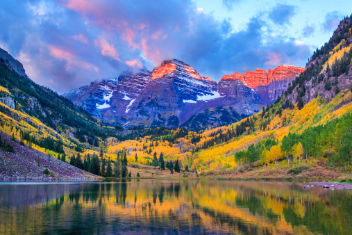 National Park「autumn colors at Maroon Bells and Lake」:スマホ壁紙(2)