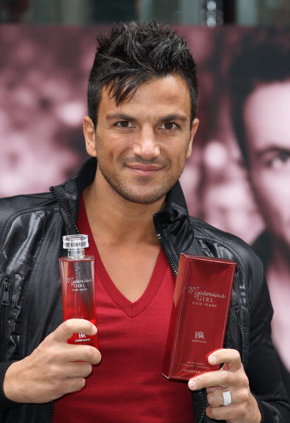 Mike Marsland「Peter Andre Launches New Fragrance 'Mysterious Girl'」:写真・画像(4)[壁紙.com]