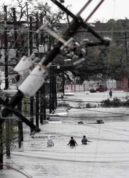 Pensacola「Hurricane Katrina Hits The Gulf Coast」:写真・画像(18)[壁紙.com]