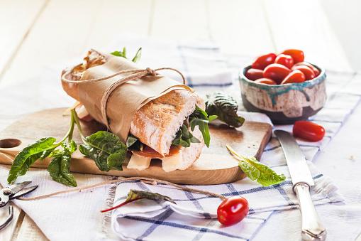 Serrano Ham「French bread with Jamon serrano, cheese, tomatoes and lettuce」:スマホ壁紙(8)