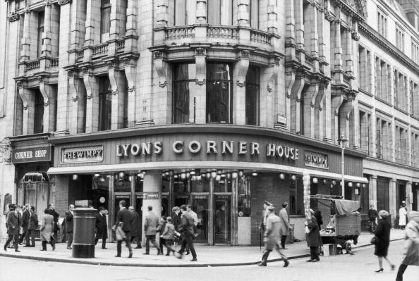 Corner「Lyons Corner House」:写真・画像(0)[壁紙.com]