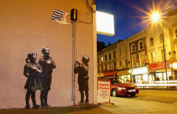 Graffiti「New Banksy Graffiti Artwork Appears In London」:写真・画像(5)[壁紙.com]