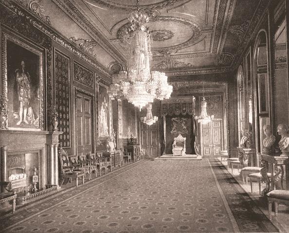 Mantelpiece「The Throne Room」:写真・画像(13)[壁紙.com]