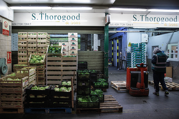 野菜・フルーツ「Trading At UK's Largest Vegetable Market As Bad Weather Blamed For Shortages」:写真・画像(7)[壁紙.com]