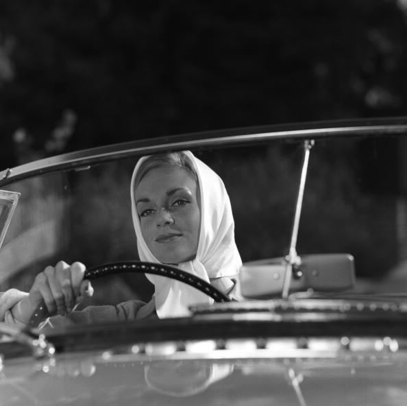運転手「Lady Driver」:写真・画像(9)[壁紙.com]