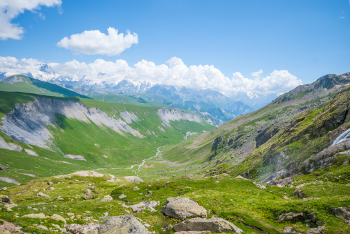 Grenoble「Mountain valley」:スマホ壁紙(9)