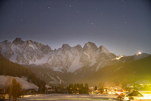 Dachstein Mountains「Stars on the night sky above the mountains」:スマホ壁紙(12)