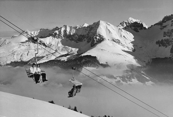 Skiing「Swiss Chairlift」:写真・画像(10)[壁紙.com]