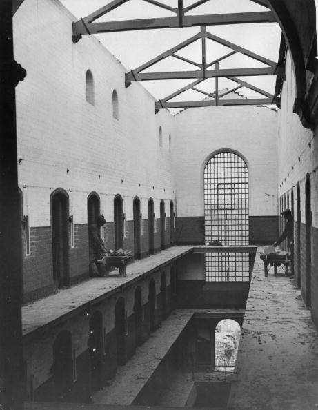 Fred Morley「Blooming Prison」:写真・画像(14)[壁紙.com]
