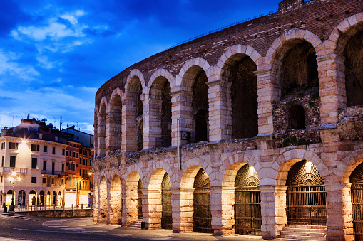 Veneto「The Verona Arena on Piazza Bra in Verona Verona, Veneto, Italy」:スマホ壁紙(8)
