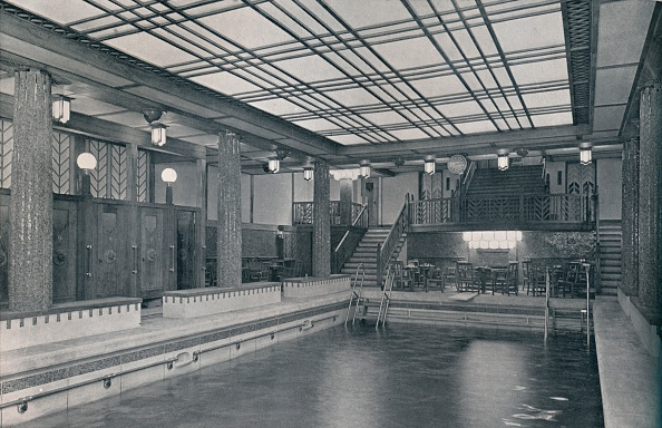 Ceiling「The Bathing Pool on board SS Empress of Britain」:写真・画像(10)[壁紙.com]